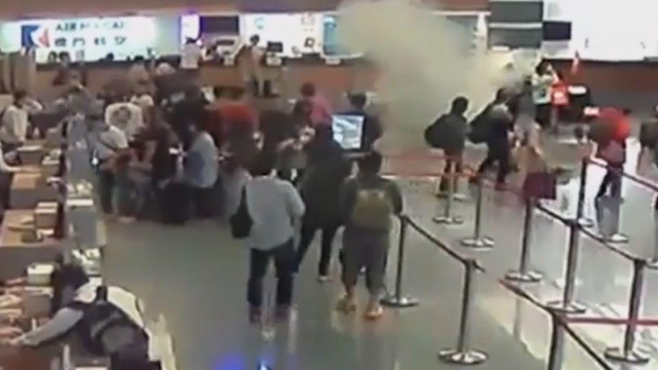「別讓搭機變危機」 行李行動電源、自拍棒該放哪?