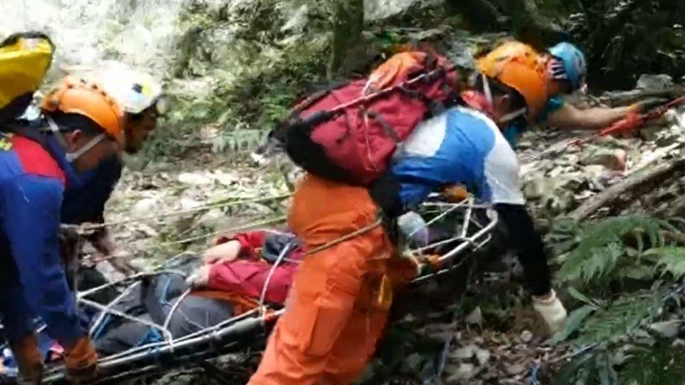太想回家!爬山回程抄捷徑2墜谷 即刻救援