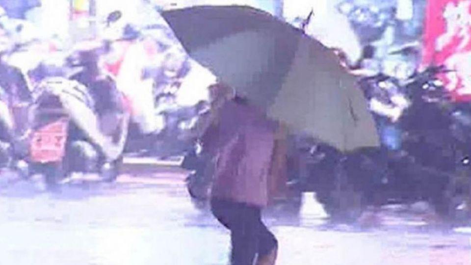 雨下不停!鋒面接近 明恐持續降雨到晚上