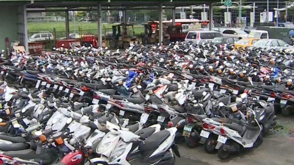 酒駕多嚴重? 光北市扣近千部機車停滿滿!