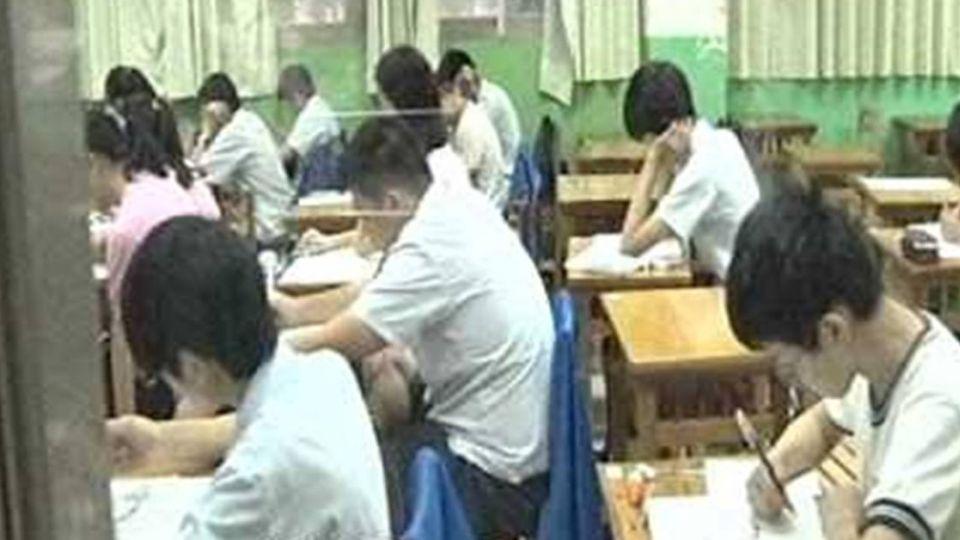 「國中會考」27萬考生上陣 英聽「鐘響就停筆」