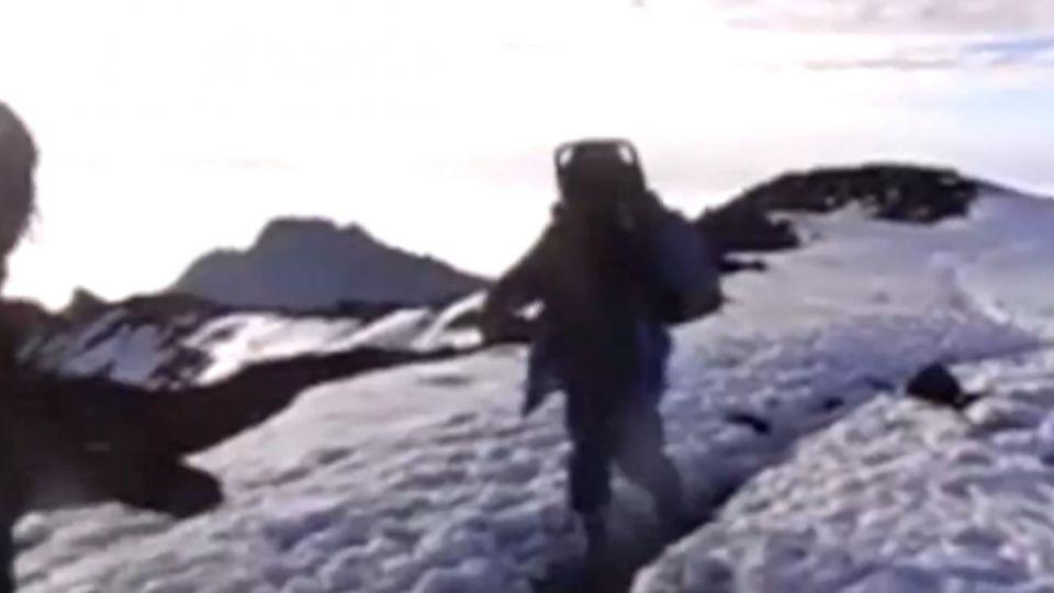 走了4天「使命必達」 披薩外送到非洲最高山脈