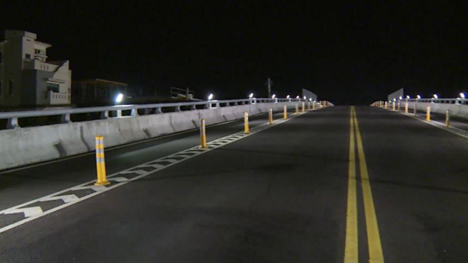 機場旁路燈「太閃」 影響開車視線恐害撞