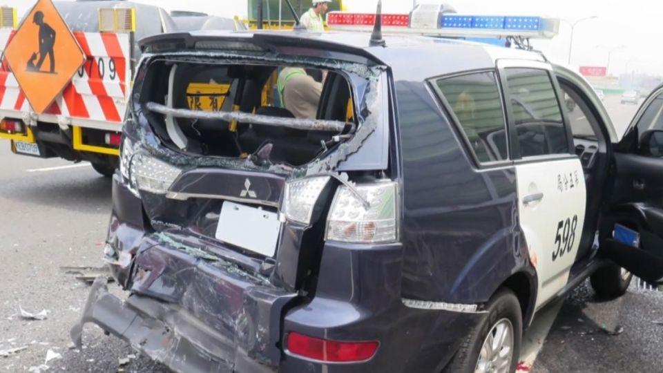 悚!貨車撞警車 喔...警遭碎玻璃噴射濺血