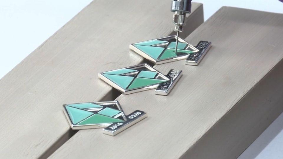 520典禮禮賓大使七巧板胸針 MIT設計製造
