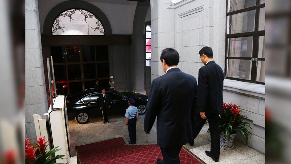 下班了!總統馬英九臉書打卡「服務的心永不退休」