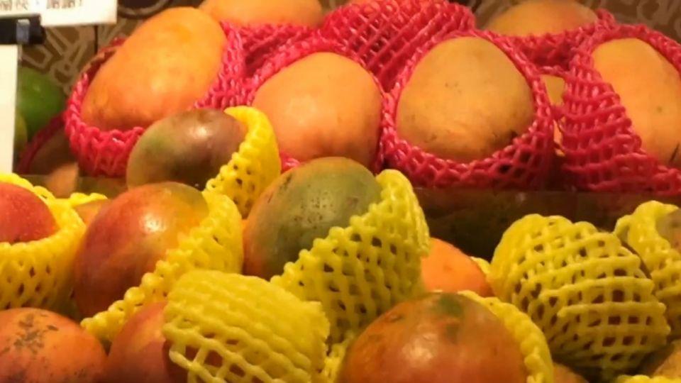 百貨超市芒果一顆139元 等於兩個便當錢