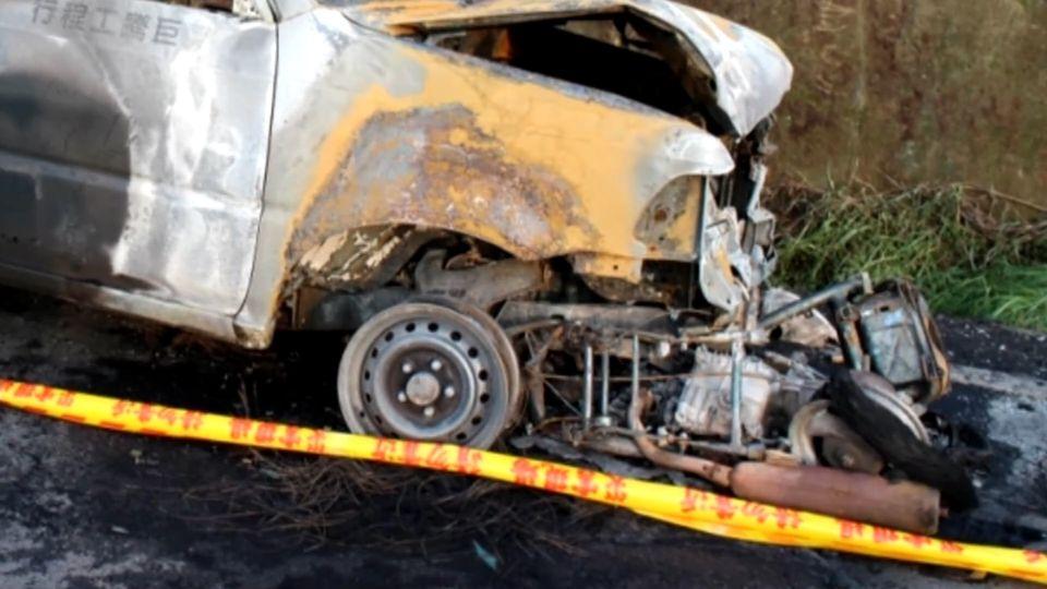 貨車、機車相撞...卡車底起火 翁摔飛慘死