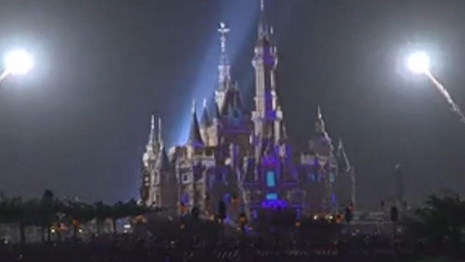 上海迪士尼樂園下月開幕 測試經典煙火燈光秀