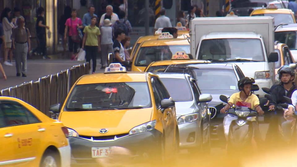 全台8萬多輛計程車! 控管司機成考驗