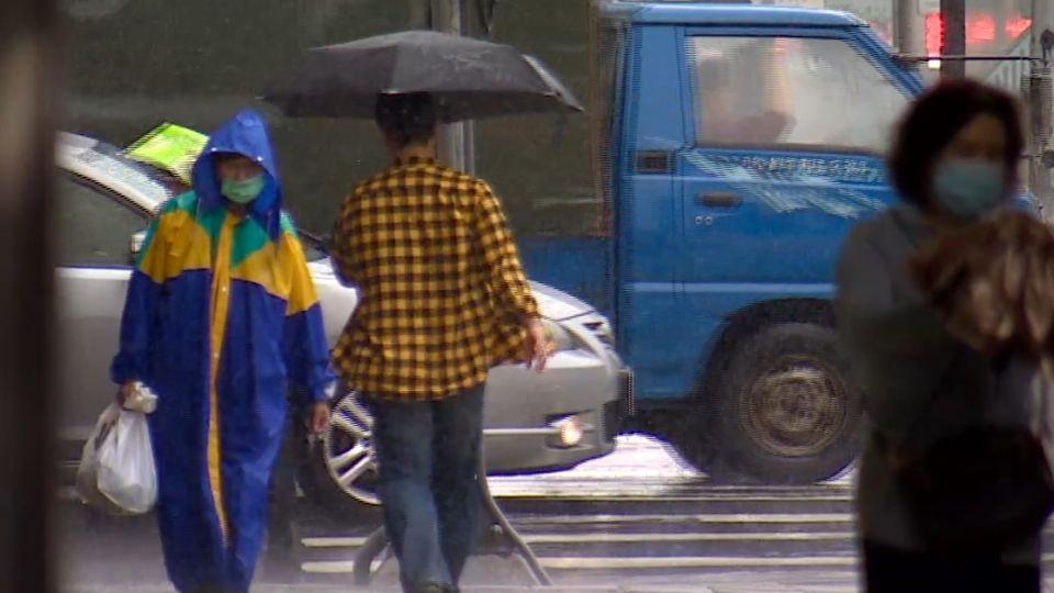 台東焚風飆36度高溫 估首波梅雨下周五到