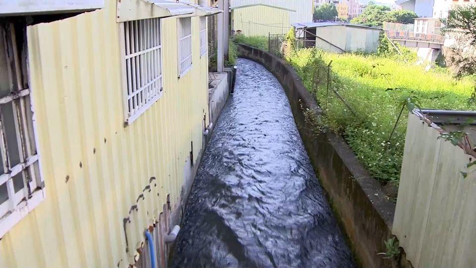 門前遇水溝搭便道 居民不滿遭討補償金