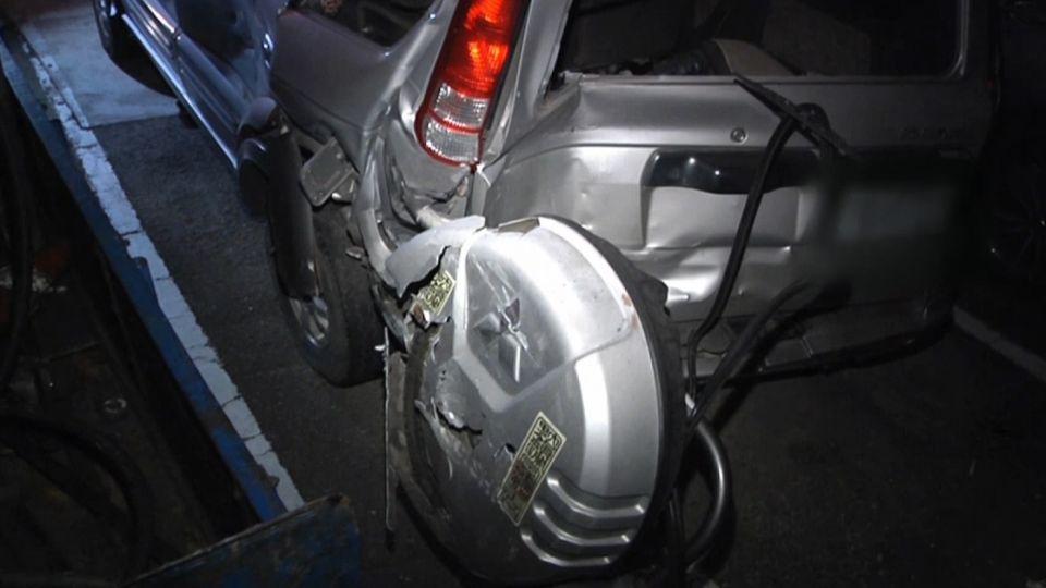 休旅車爆胎停路邊 維修員檢查時遭追撞亡