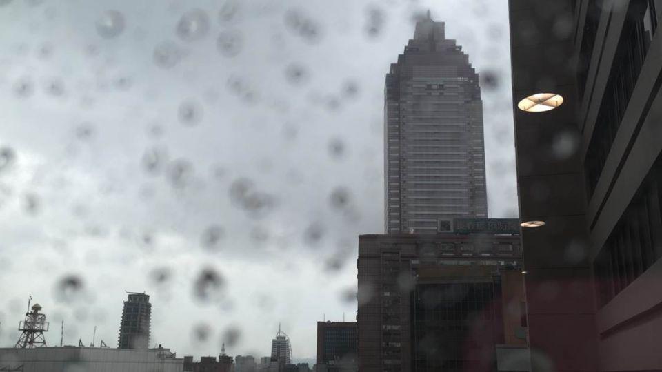 一聲轟雷響!16縣市大雨特報 注意淹水、雷擊