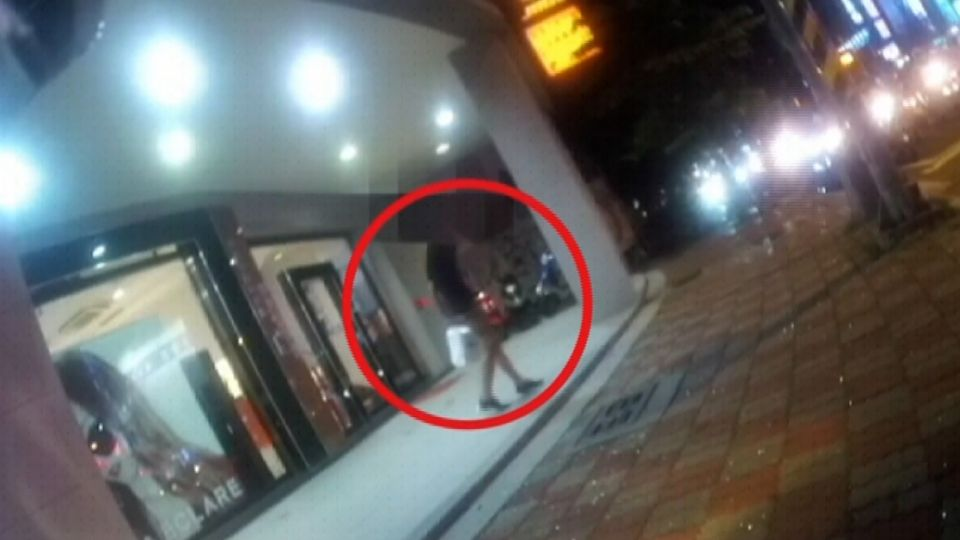 報紙混充現鈔 警民合作演戲 引出國中生車手
