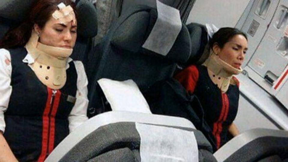 飛機遇強烈亂流 空姐未繫安全帶頭破血流