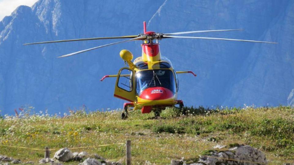 縱走中央山脈2人「磨破腳 」 吃定直升機來救援