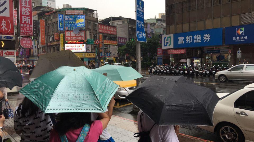 【影片】西南氣流來搗蛋 中南部嚴防豪大雨
