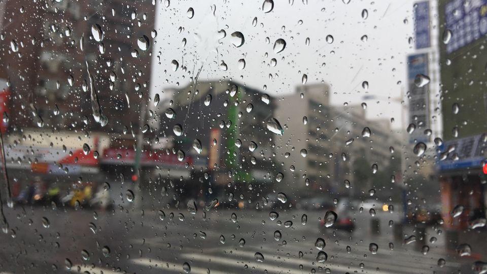 西南氣流持續發威 明全台嚴防大雨