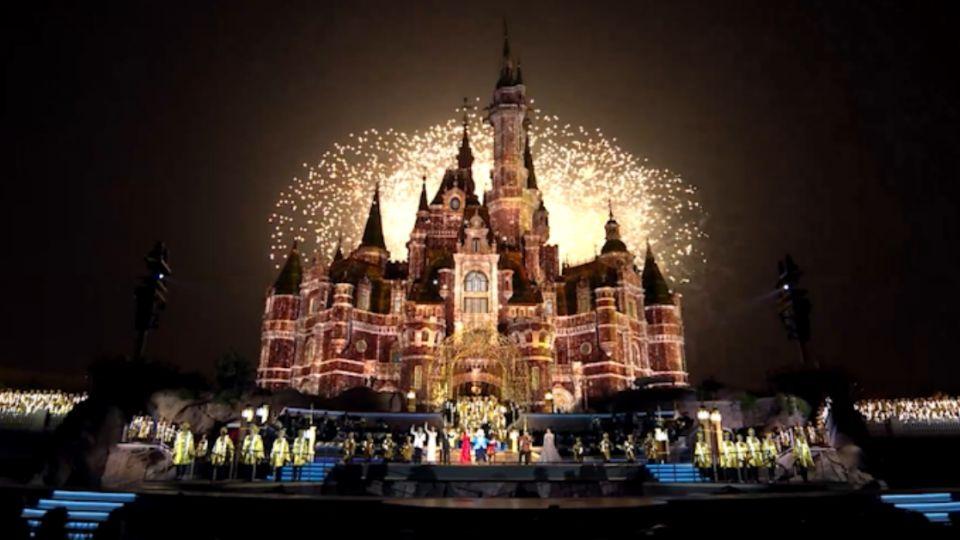 眾星雲集!開幕嘉年華 重唱迪士尼經典主題曲
