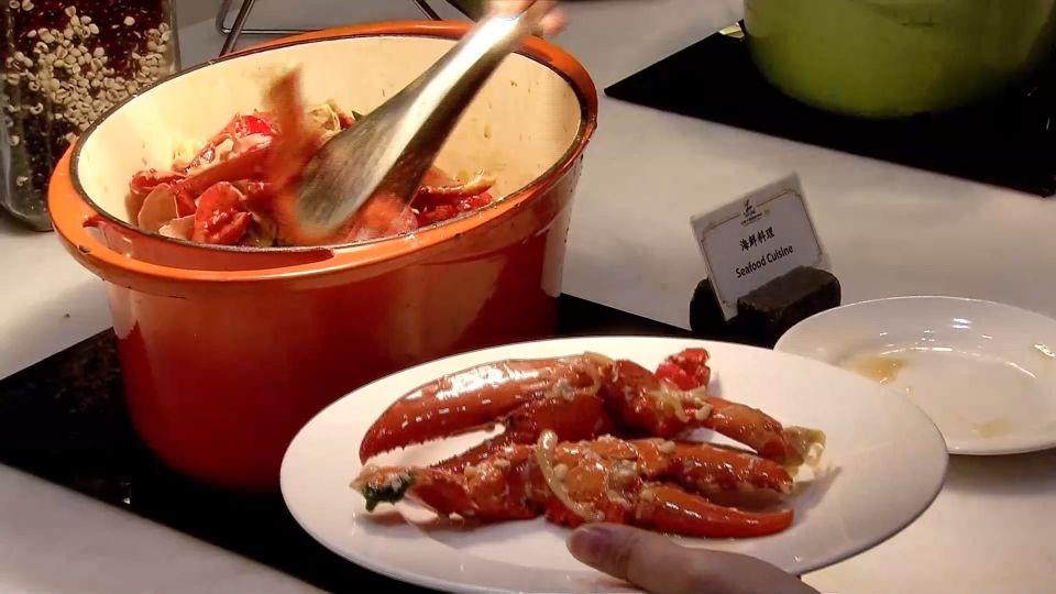 南部飯店也推龍蝦吃到飽 食客連吃十多隻