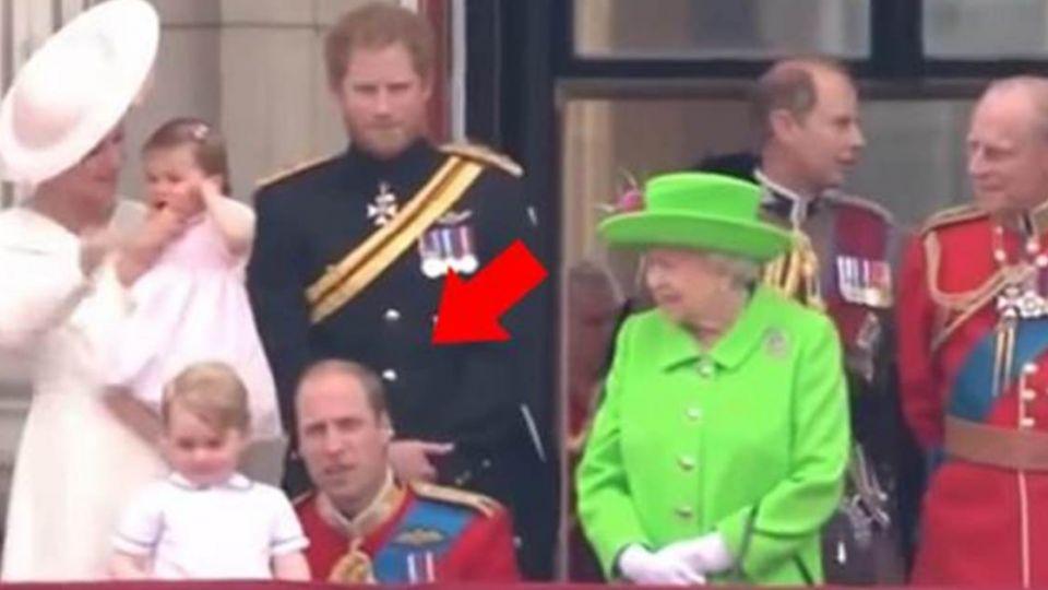 【影片】老爸遭女王教訓!喬治王子逗趣反應 萌翻眾人