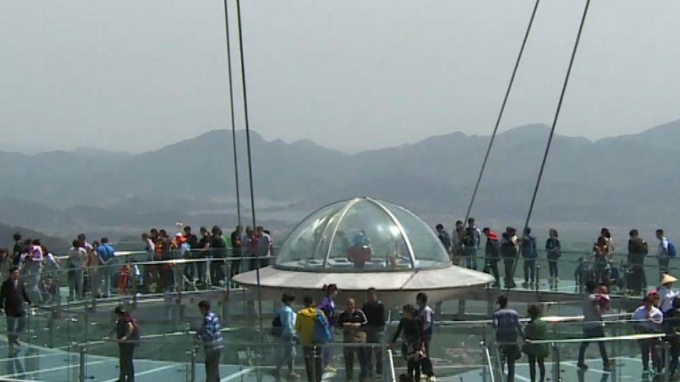 世界最大玻璃棧道 東森記者直擊遊客體驗