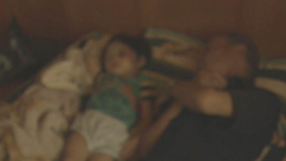 【影片】悲慘3歲童遭恐怖凌虐 從小監獄內長大