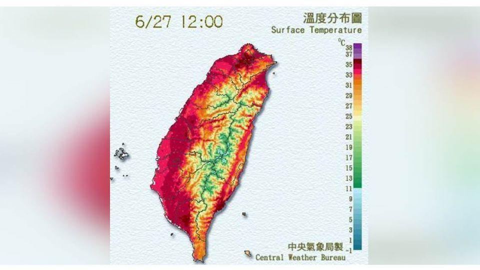 鄭明典PO台灣「火紅圈」 網友:這紙要燒起來了吧