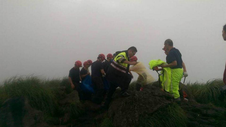 爬七星山遭落雷擊中 女登山客當場無呼吸心跳
