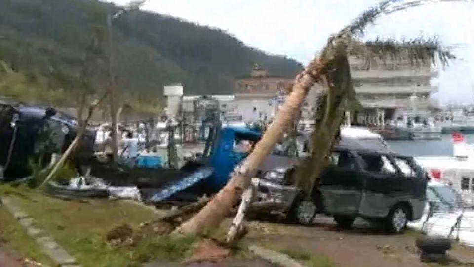 綠島四分之一遭強風摧毀 住家屋頂破洞、景點變樣