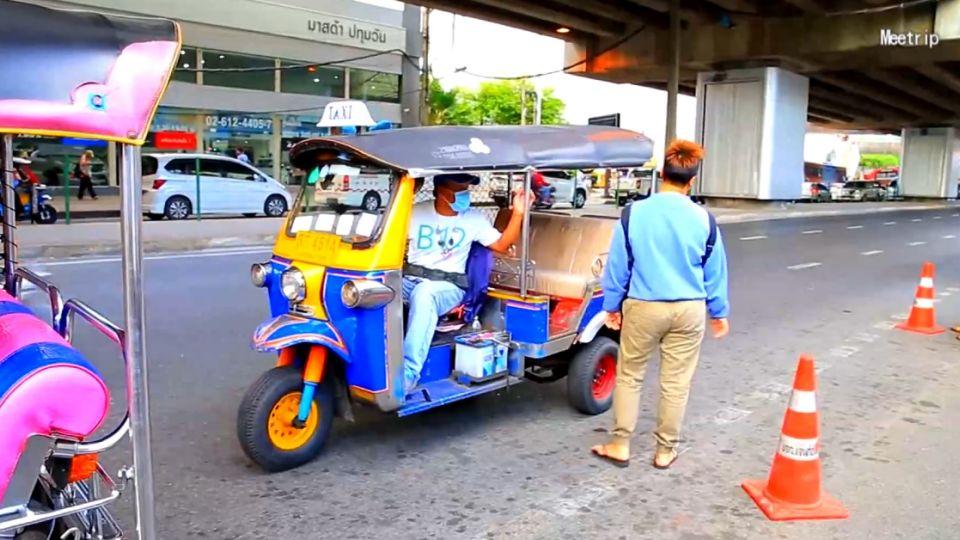 港客曼谷搭嘟嘟車 遭搶疑司機同謀
