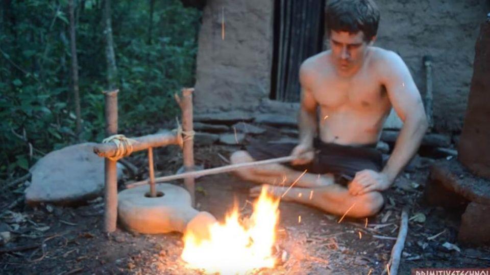 摩登「原始神人」!打造鑽木神器 網友:老祖先回來啦