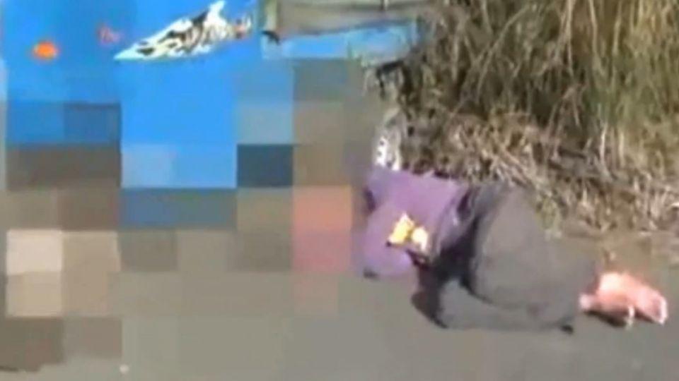 偷車賊酒駕撞進水溝 不勝酒力倒臥路邊