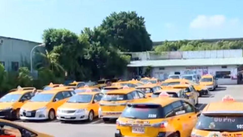 最快明年上路! 多元化計程車 小黃「可隨意變色」