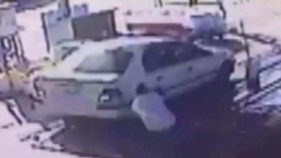 「加油站不能停車」婦不滿遭阻竟衝撞站長