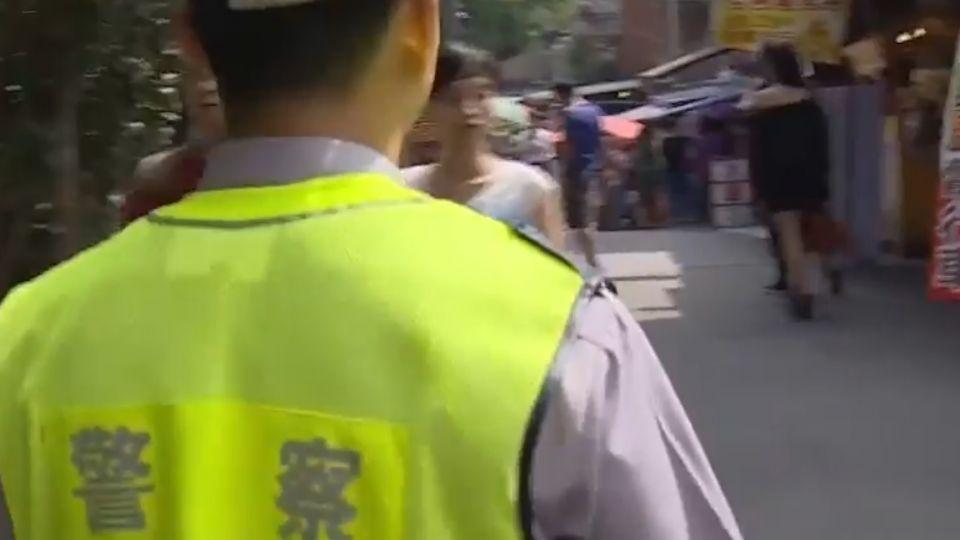 扒竊集團出沒十分老街 警巡邏盯「可疑眼神」