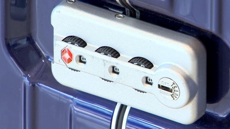 R牌行李箱不重保密? 專家:密碼鎖非100%安全