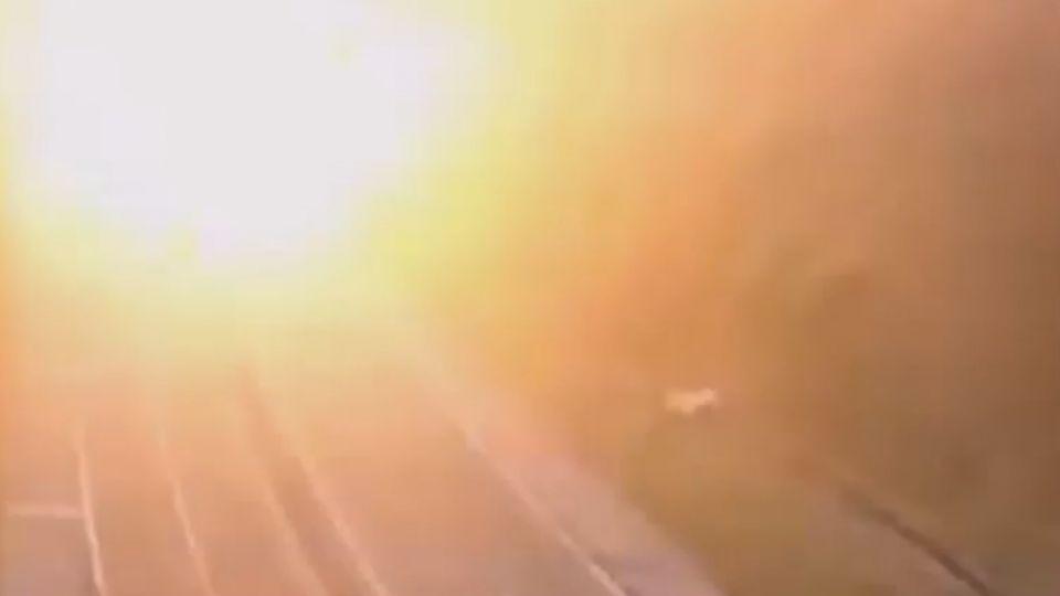 直擊! 巴西油罐車爆炸 火勢延燒一公里