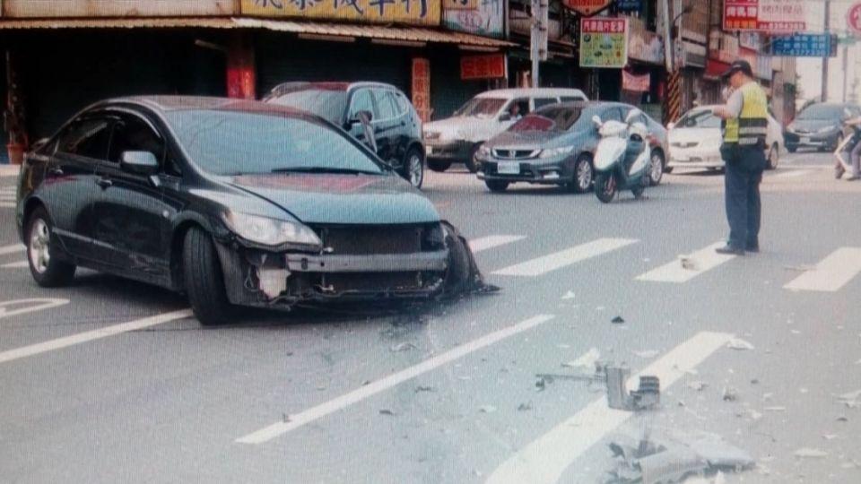 醉到不知轉彎 闖對向車道 兩車迎頭撞