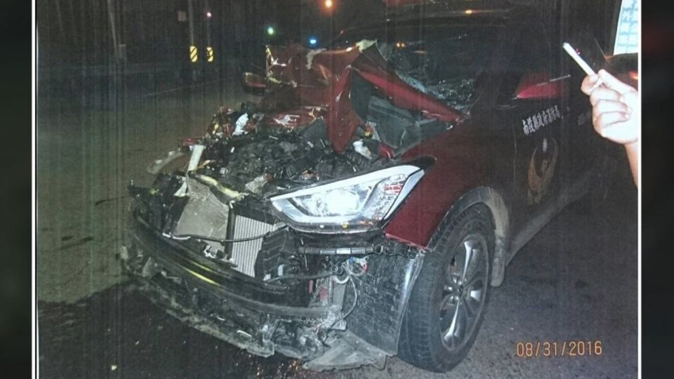 知法犯法!消防分隊長酒駕 撞毀公務車