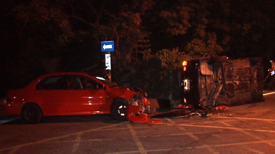 車被撞翻!孕婦抱女嬰拋車外不治 釀2屍3命