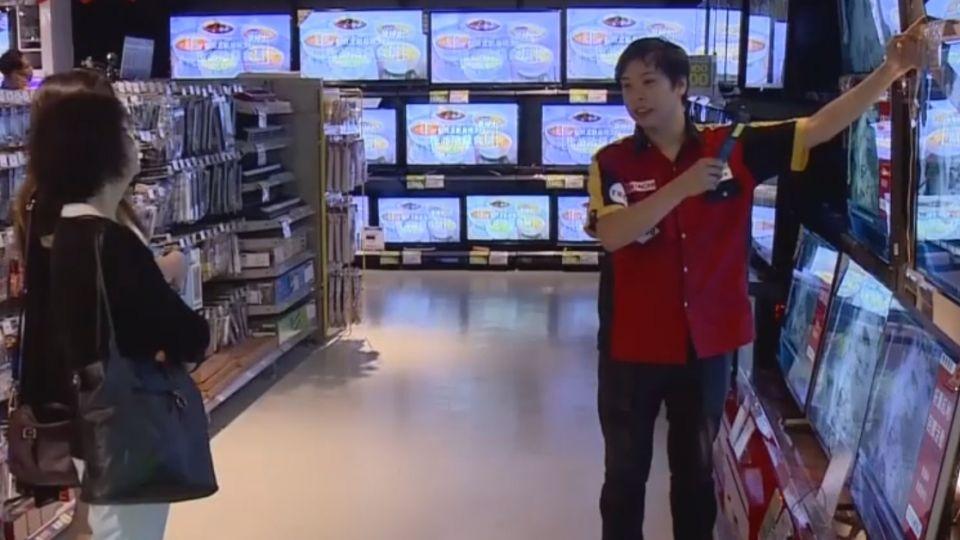「滑手機」收視習慣變! 40吋電視萬元有找