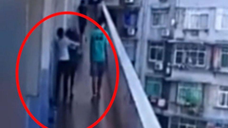 陸高中女疑為爭男友 打架翻過牆 1人墜樓亡