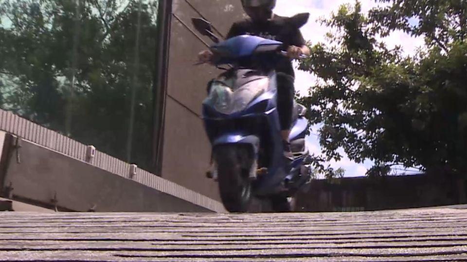 酒後騎車滑行肇事 操控車輛算酒駕 改判3個月