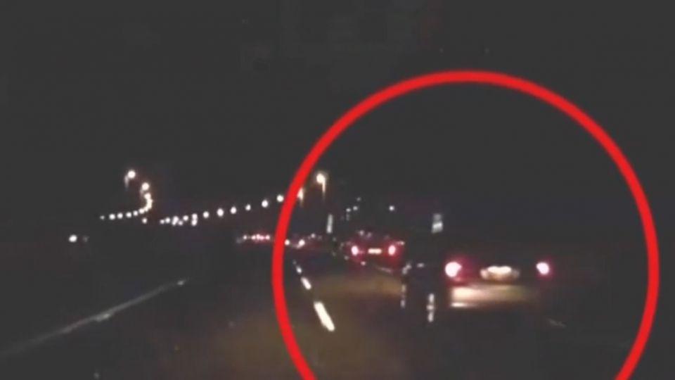 男子酒駕疑逼車擦撞 遭狠打還被法辦