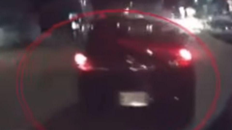 「下車!」 醉男逆向撞路人 警開兩槍破窗制伏