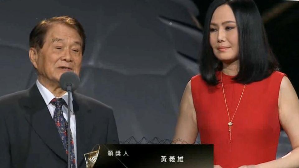 綜藝教父黃義雄病逝 江蕙淚崩:恩情無以回報