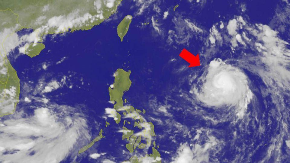 莫蘭蒂下午轉中颱 是否侵台今、明兩天是關鍵