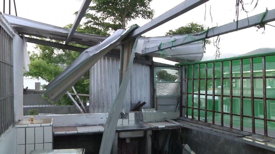 尼伯特吹飛屋頂 台東居民憂莫蘭蒂又來